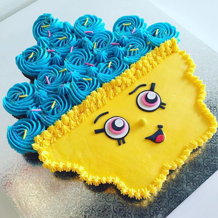 Shopkins Cupcake Queen Pull Apart Cake for Amber's 8th Birthday !!! #pullapartcake #cupcakes ...