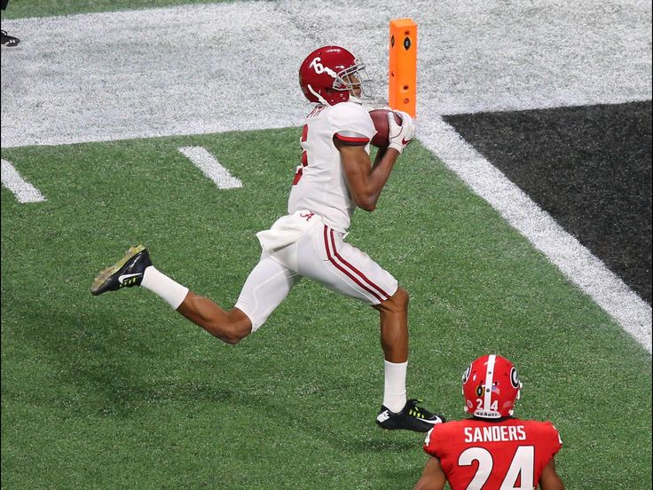 DeVonta Smith game-winning, overtime, National Championship TOUCHDOWN! USA Today Sports picture  - Alabama 26 Georgia 23 in OT #Alabama #RollTide #Bama #BuiltByBama #RTR #CrimsonTide #RammerJammer #CFBPlayoff #NationalChampionship #CFBNationalChampionship2018