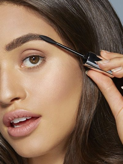 How To Fill Eyebrows with Brow Precise Fiber Volumizer by Maybelline. A brow tutorial to show you how to get bold, full eyebrows with a brow fiber mascara.