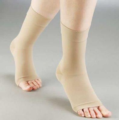 Ayak bileğini destekleyen, oluşan ödemi rahatlatan ve ağrıları en aza indirgeyerek tedavi sağlayan #Aurafix #Elastik #Ayak #Bilekliği AV-140 ürününü kullanabilirsiniz. Diğer Ayak Apereyleri ve Bileklikleri ürünlerine  http://www.portakalrengi.com/ayak-apereyleri-ve-bileklikleri sayfamızdan ulaşabilir detaylı bilgi edinebilirsiniz.