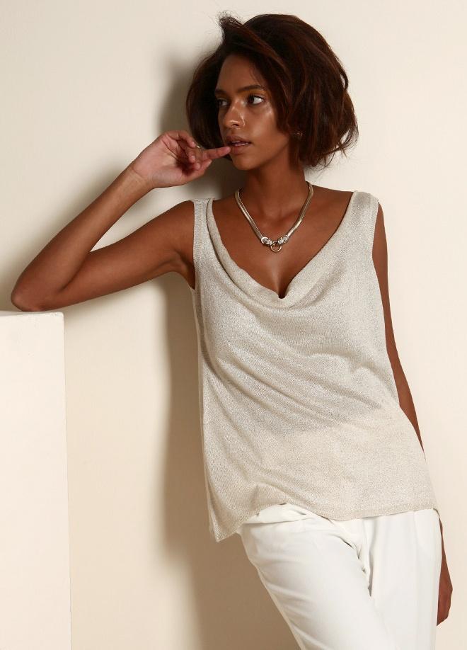 Un Secret Bluz Markafoni'de 49,99 TL yerine 24,99 TL! Satın almak için: http://www.markafoni.com/product/3268845/