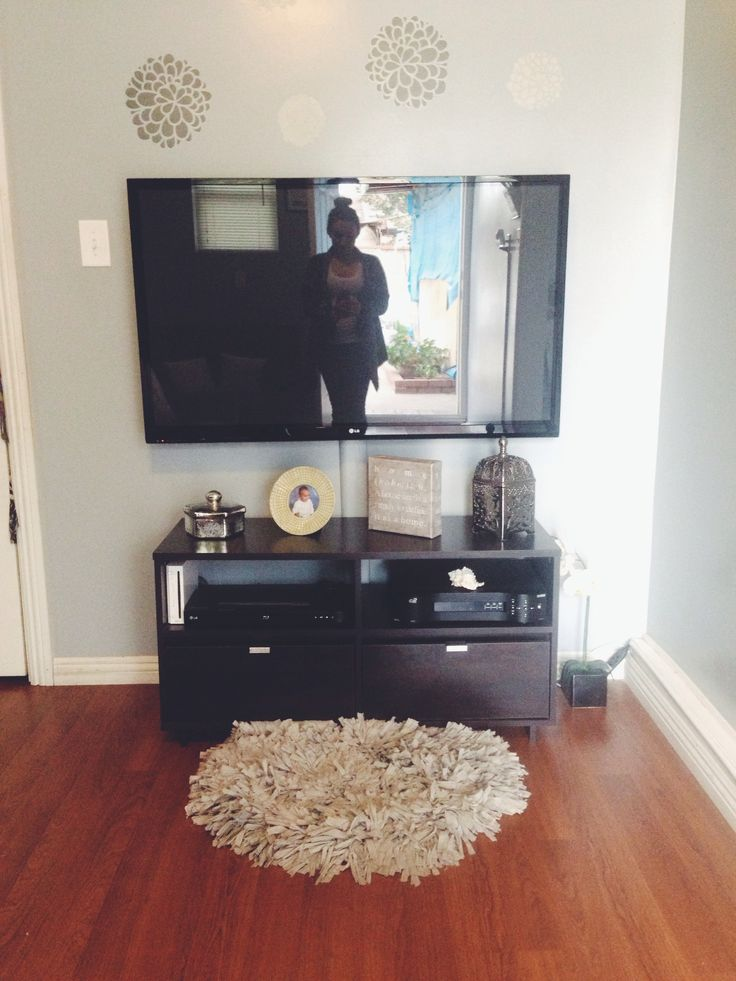 8 best decor for wall mount tv images on pinterest wall mounted tv hanging tv and mantle deco. Black Bedroom Furniture Sets. Home Design Ideas