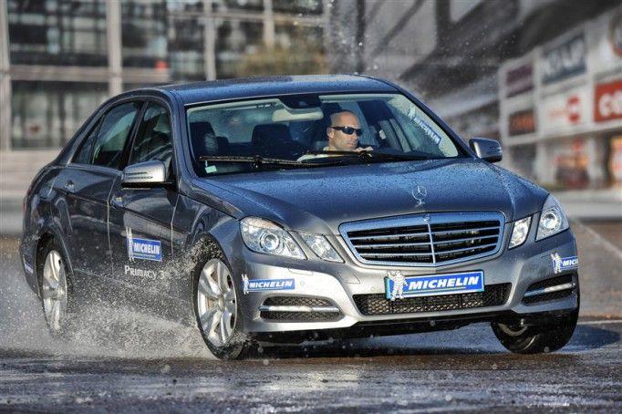 Michelin, üstün yol tutuş, kısa fren performansı, geliştirilmiş viraj hakimiyeti ve mükemmel direksiyon tepkileri için aracın tüm akslarında aynı lastiklerin kullanılmasını ve yedi derecenin altındaki hava sıcaklıklarında mutlaka kış lastiği kullanılmasını tavsiye etmektedir. Ayrıca düzenli olarak lastik hava basınçlarının kontrol edilerek 10 bin kilometrede bir rot balans ayarlarının yapılması da emniyetiniz için oldukça önemlidir.