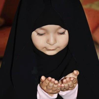 Beautiful little Muslim girl ! http://www.dawntravels.com/hajj.htm
