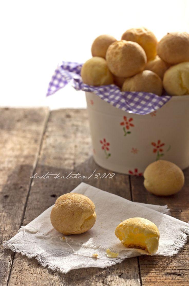 HESTI'S KITCHEN : yummy for your tummy: Pão De Queijo (Brazilian Cheese Bread)