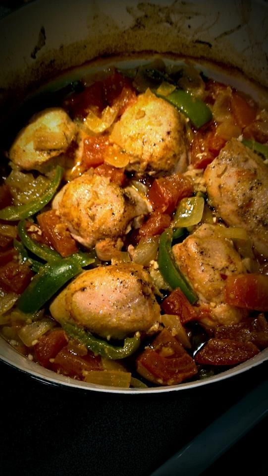DUTCH OVEN SPRITE CHICKEN. Serves 8 Delicious chicken, potatoes and carrots cooked in a Dutch Oven. The flavor of this meal is incredible. Enjoy at home or at a campout!