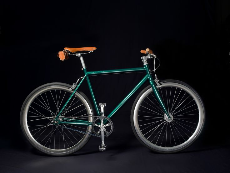 """Verona"" model in British racing green coloration with leather saddle and grips"