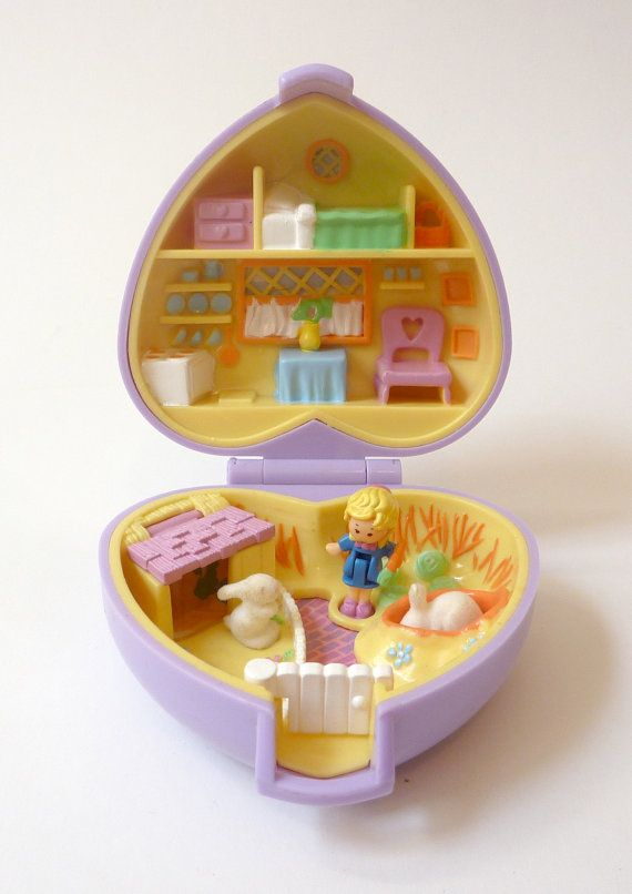 Polly Pocket - 1993 Pretty Bunnies aka Polly and her Bunnies Playset - Pet Parade Collection