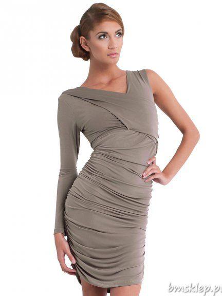 Seksowna asymetryczna sukienka, ciekawy #fason z jednym długim rękawem, sukienka mocno drapowana. Uszyta z lejącej i bardzo elastyczne dzianiny. Dostępne uniwersalne rozmiary rozmiary XS/S, M/L, XL/XXL Skład materiału : 100 % #poliester Oryginalny produkt karteS®... #Sukienki - http://bmsklep.pl/sukienki