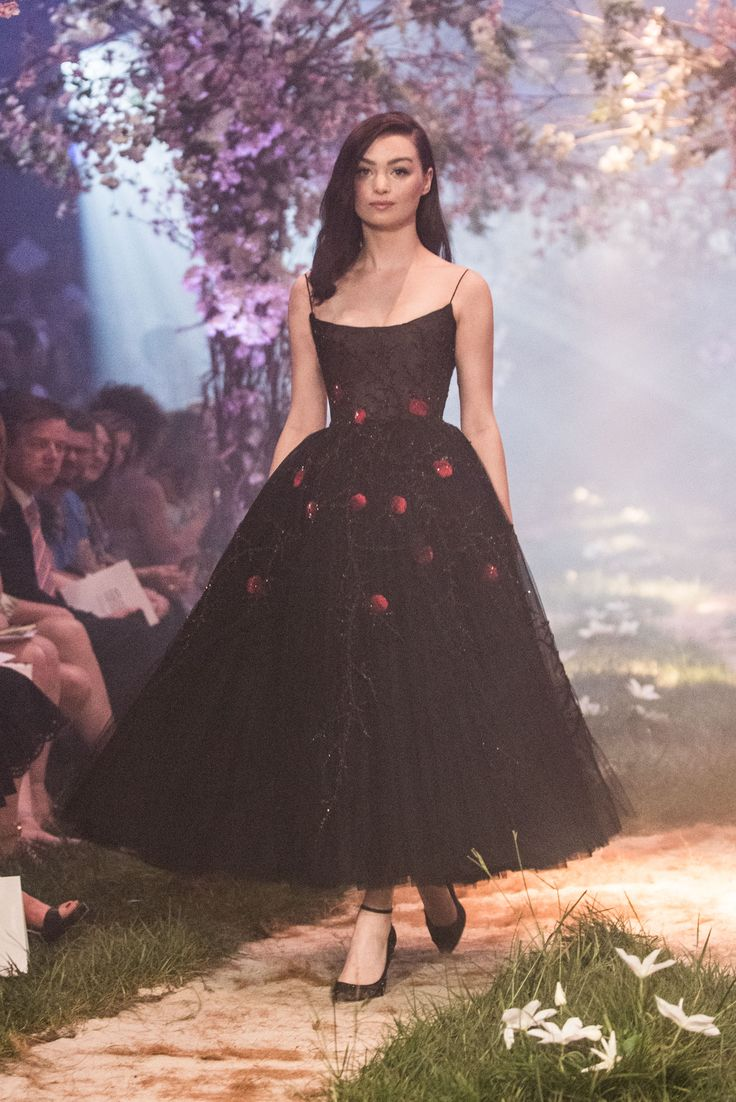 PSS/S1824 – Tulle ballerina dress featuring poison apple embroidery