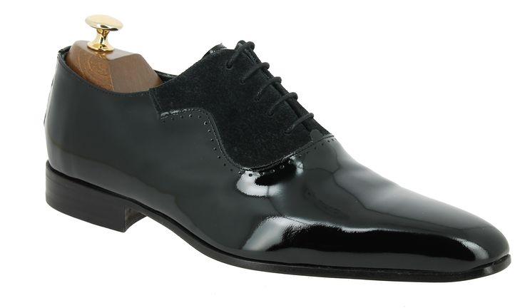 Center 51 vous présente le modèle  Richelieu Paco Milan 2524 cuir vernis noir à 110,00 €  retrouvez-le sur https://www.center51.com/fr/chaussures-a-lacets-homme/568-richelieu-paco-milan-2524-cuir-vernis-noir.html