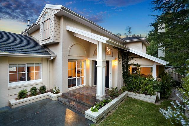 8 Bessa Court, Wonga Park, Victoria, Australia.  Five-Star Living On A Resort-Inspired Acre.  Barry Plant Ringwood.