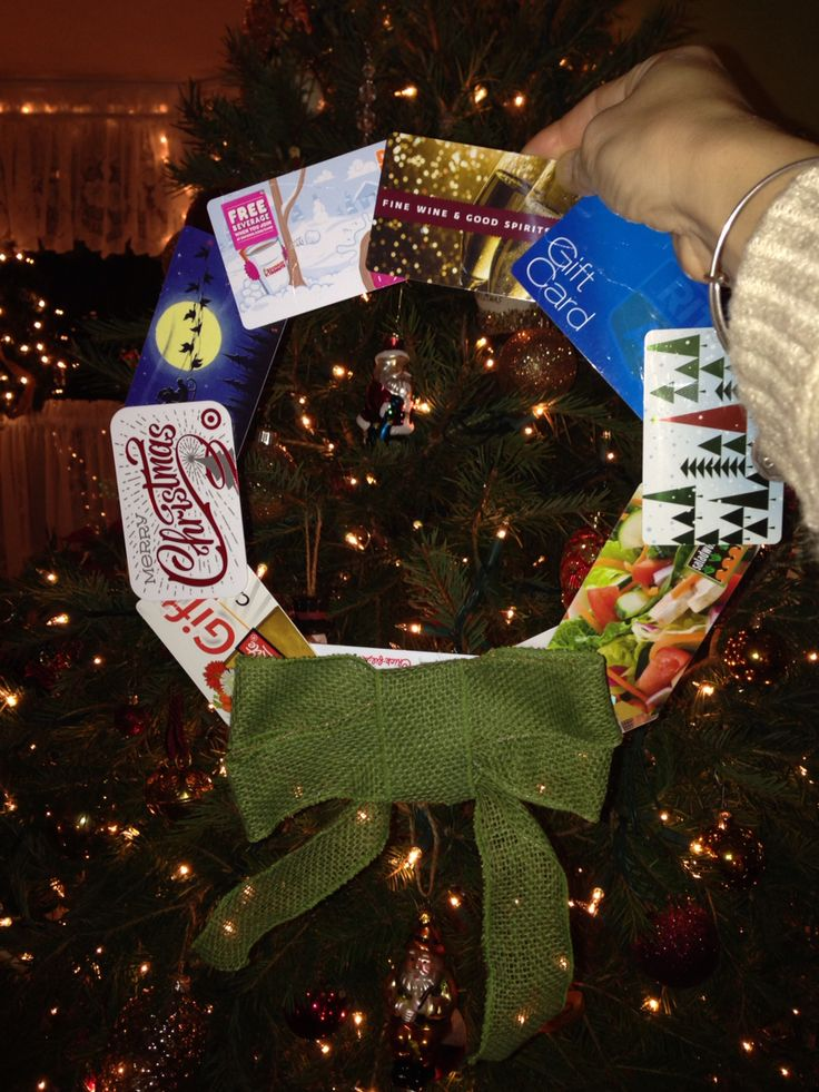 Gift Card Wreath for our Chinese Pollyanna. 10 $5 gift Cards