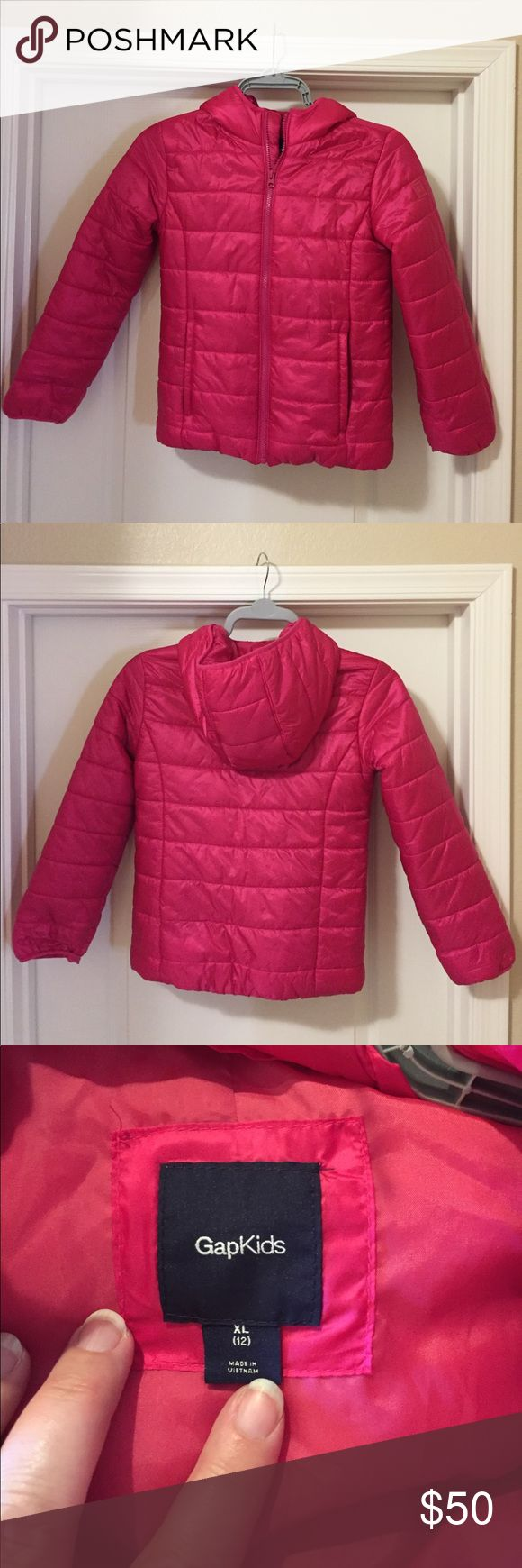 Girls Winter coat Gap hot pink snow coat. Brand new Worn once (reside in AZ). GAP Jackets & Coats Puffers