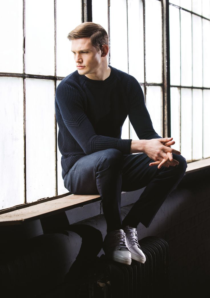 Patterned, dark navy winter jumper and blue jeans by Remus Uomo