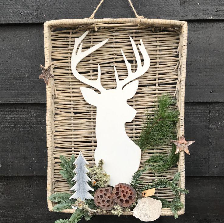 Vierkante mand opgemaakt met silhouette van hert en kerstmaterialen te verkrijgen op CreAnoeska.nl