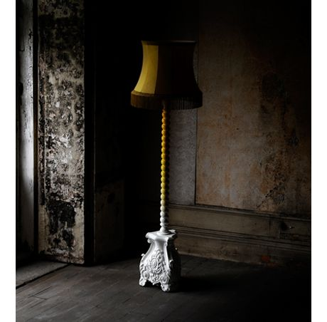 Boca do Lobo | Skyscraper is a floor lamp with gradient lacquer. This contemporary design piece presents a delicately hand carved mahogany base with a fringe lamp shade. #floorlamp #carvedlamp #gradientlacquer #designlamp #standinglamp Find more here: http://www.bocadolobo.com/en/coolors-collection/lamps/skyscraper/index.php