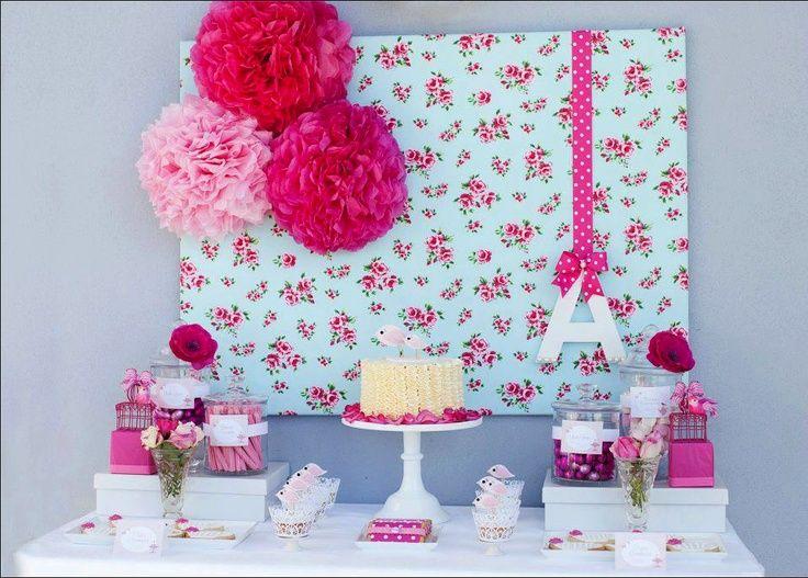 """Las mesas dulces, o dessert table o candy bar... como queráis llamarlas estan en la cresta de la ola, ya sea para una boda, un cumple, baby shower, comunión o cualquier evento que queramos celebrar, unas serán más pequeñas, otras mas grandes... pero lo que esta claro que no deja indiferente a los invitados, y es que son de lo mas socorridas para el """"picoteo dulce"""", a la vez que """"super monas"""" ;)"""