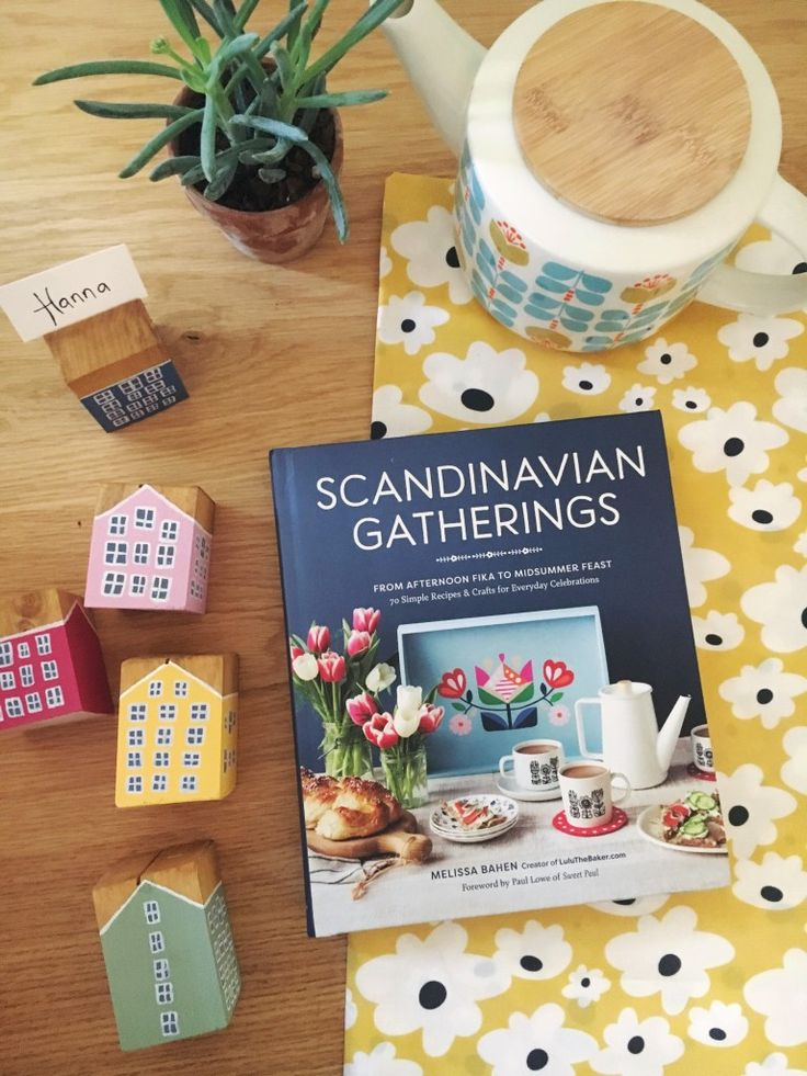 épinglé par ❃❀CM❁✿GIVEAWAY + DIY Danish townhouse place card holders from Scandinavian Gatherings | This Little street : This Little street