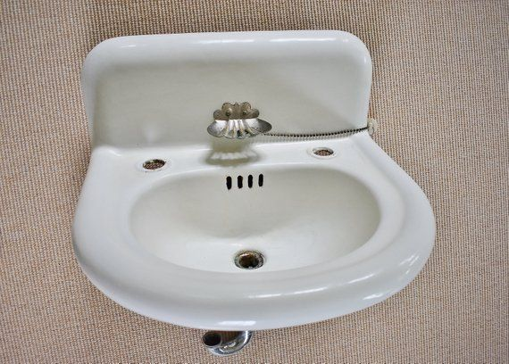 Porcelain Enamel Over Cast Iron Sink Vintage 21 Standard Wall Mount Sink With Clamshell Soap Dish High Back Farmhouse Single Basin Wall Mounted Sink Cast Iron Sink Single Basin