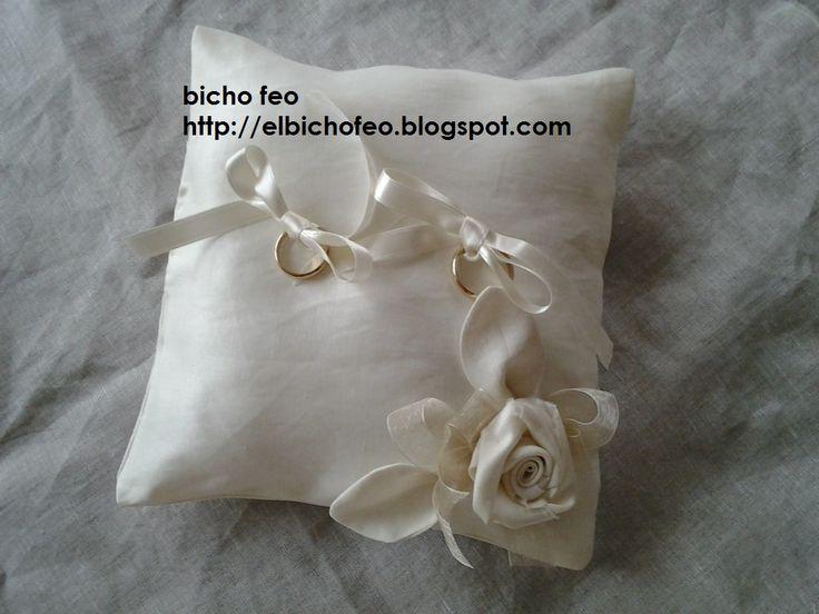 cuscino porta fedi http://elbichofeo.blogspot.com