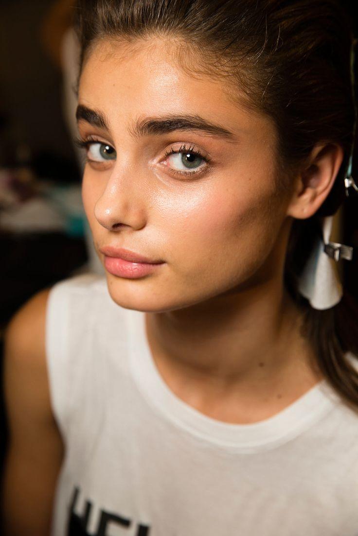 Taylor Marie Hill natural makeup