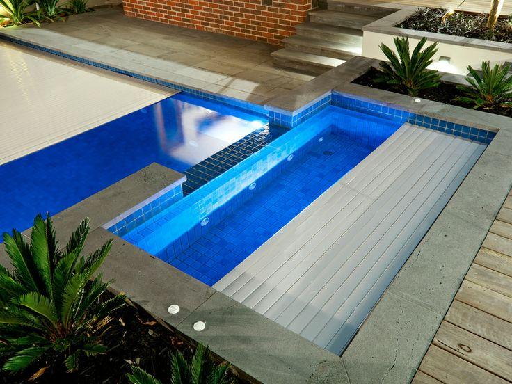 Remco swim roll pool cover