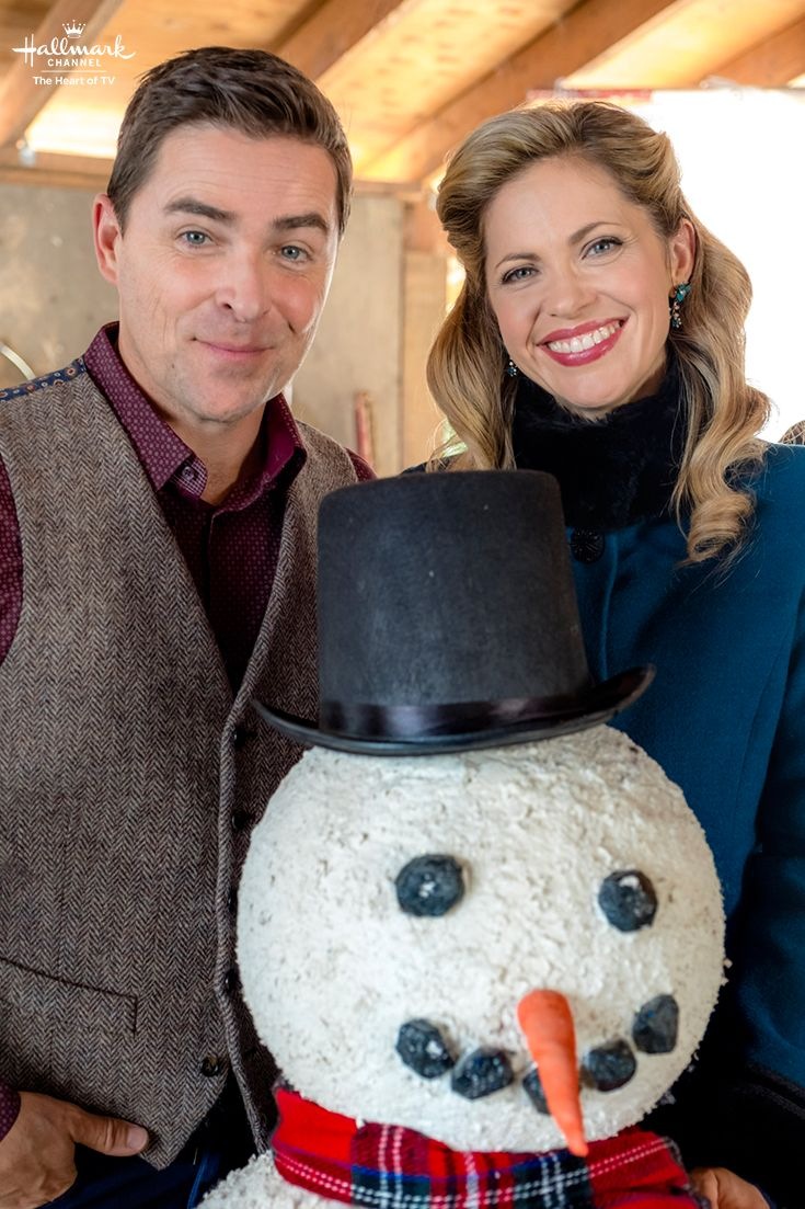 When Calls the Heart: The Christmas Wishing Tree - Join Lee and Rosemary in Hope Valley on December 25 at 8/7c on Hallmark Channel!   #CountdownToChristmas #HallmarkChannel #WhenCallsTheHeart