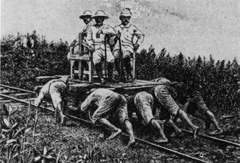 Indonesiers die de Nederlanse regeringslijders voortduwen.