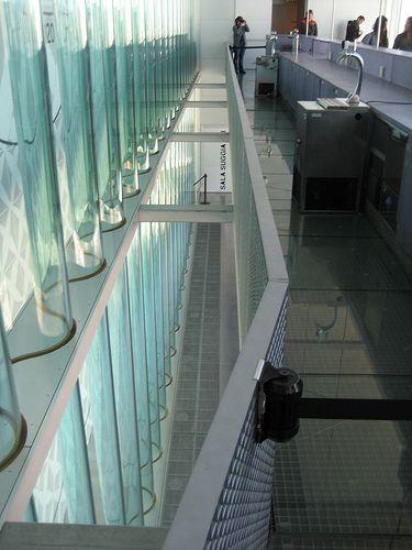 Cafetería colgada | Casa do Musica, OMA Rem Koolhaas