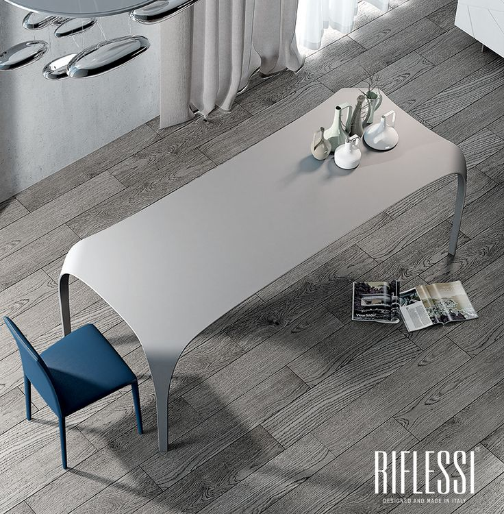 Unique in name and in facts. Unico table by Riflessi.