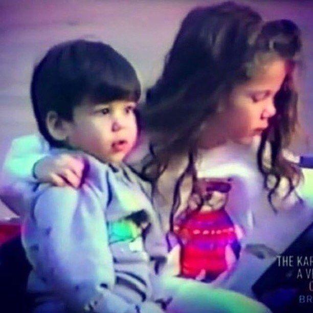 WEBSTA @ robkardashianworld - Sibling goals @robkardashian and @khloekardashian 😍😍😍😍#Robkardashian #Rob #kardashian #kylie #tagblender #doubletap #kardashian #taylorswift #justinbieber #likeforlike #coachella2016 #demilovato #gainpost #l4l #ladygaga #formationworldtour #superbowl #formationtour #lemonade #beyoncecarter #jayz #formation #blueivy #beyoncefan #followback