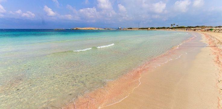 Las 9 Playas De Arena Rosada Más Lindas Del Mundo   Cut & Paste – Blog de Moda
