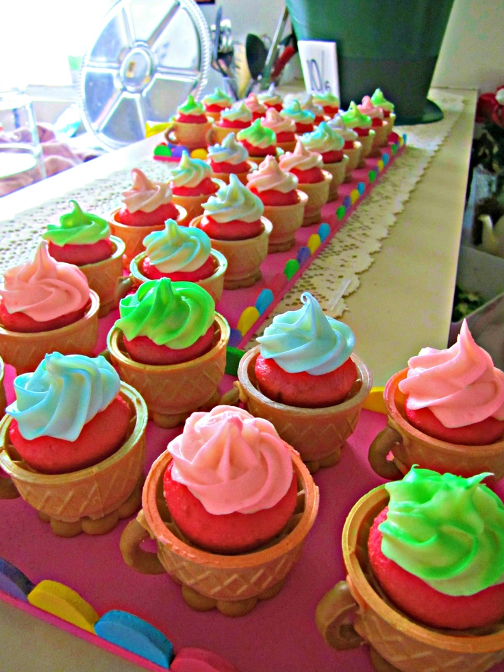 "Edible Teacup Cupcakes ""Alice in Wonderland"" theme..."