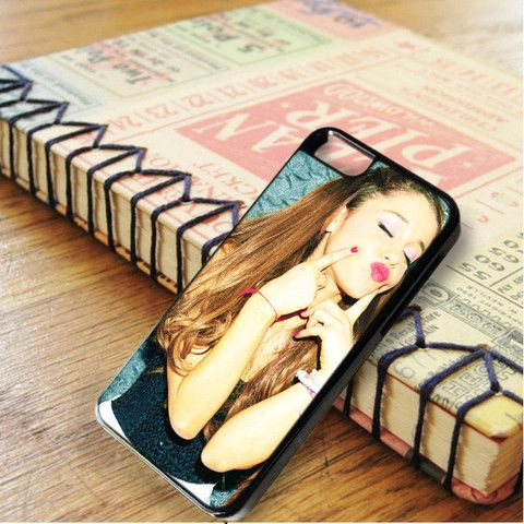 Ariana Grande Sexy Kiss iPhone 6|iPhone 6S Case
