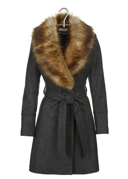 les 25 meilleures id es de la cat gorie manteau fourrure naf naf sur pinterest veste daim. Black Bedroom Furniture Sets. Home Design Ideas