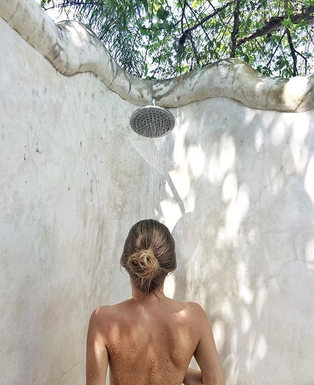 Outdoor showers are the best 🍃✨