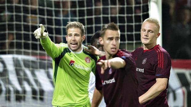 Christensen popisał się wspaniałą paradą bramkarską • Liga Europejska • Aalborg BK vs Rio Ave • Wejdź i zobacz obronę Christensena >>