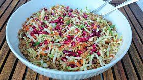 Foto: Sara B. Hansen.   H er til aften fik vi denne salat som tilbehør til lidt grillet gris og den smagte simpelthen så godt at jeg strak...