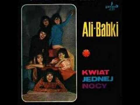 Ali-Babki - Grajmy sobie w zielone https://www.youtube.com/watch?v=pKJTv4JwexU