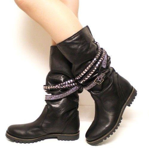 Stivaletti da biker donna. http://www.scarpeonline.org #scarpe #stivali #moda #fashion
