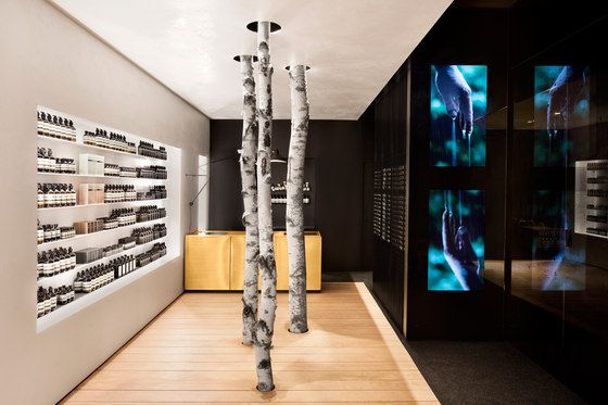 Aesop applies a singular sales philosophy. Specializing in body care products, it develops a variety of sophisticated space concepts combining simplicity..