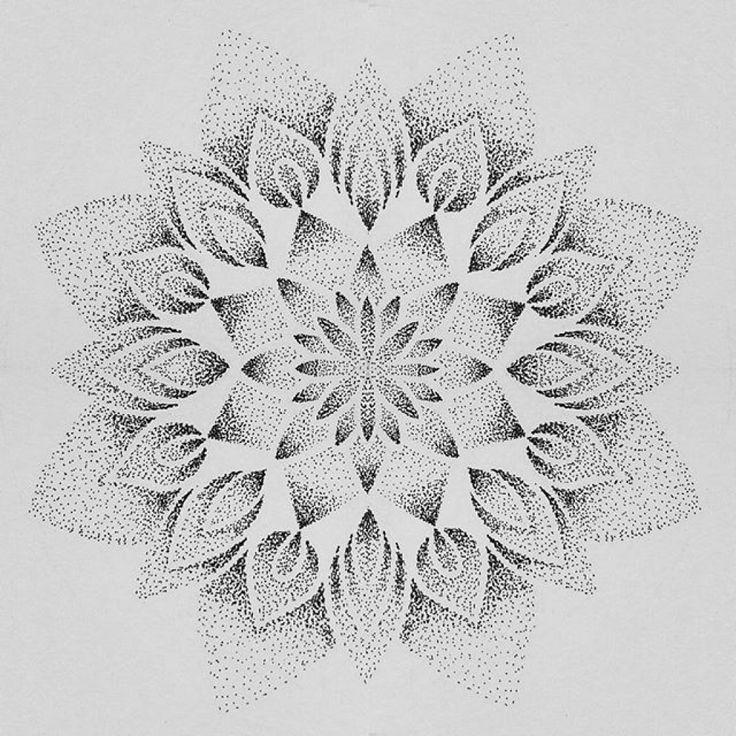 Mandala Dotwork Tattoo – #mandalatätowierung