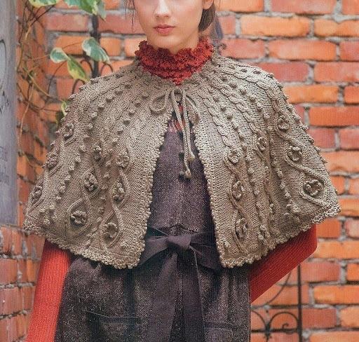 Caroling Cape Knitting Pattern : 17 beste afbeeldingen over Gilets et ponchos tricot op Pinterest - Ravelry, W...