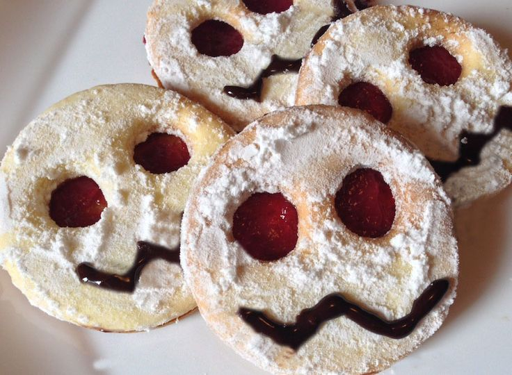 RICETTE DOLCI HALLOWEEN -Biscotti Mostri dagli Occhi Rossi