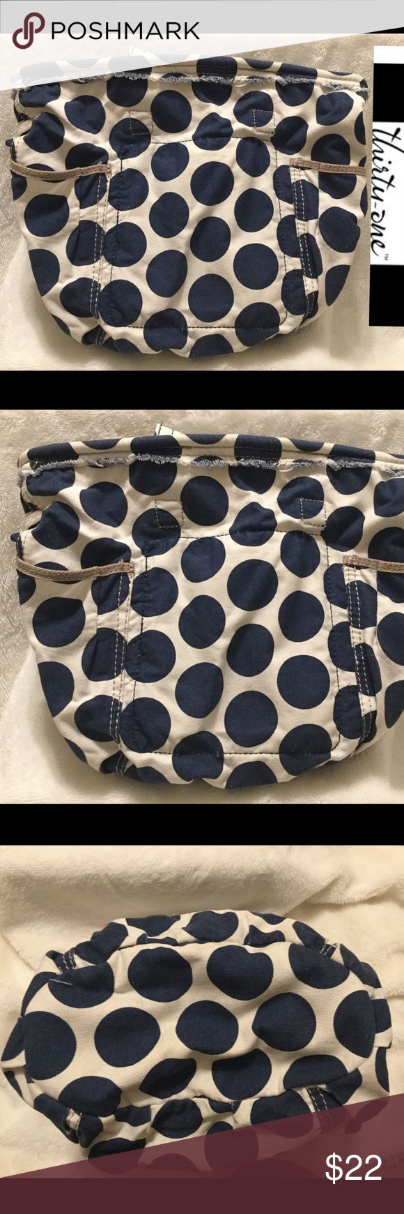 Thirty One bag retro metro navy polkadot exc. cond This bag is in excellent condition with no rips tears stains or discoloration and comes from a smoke free home.  Buy with confidence I am a top rated seller, mentor and fast shipper.  Don't forget to bundle and save.  Thank you. Thirty One Bags Totes