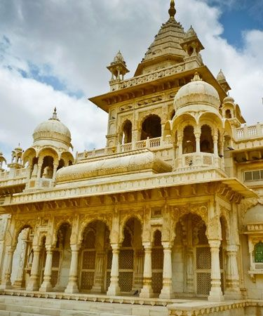 top 5 modern wedding destinations in india