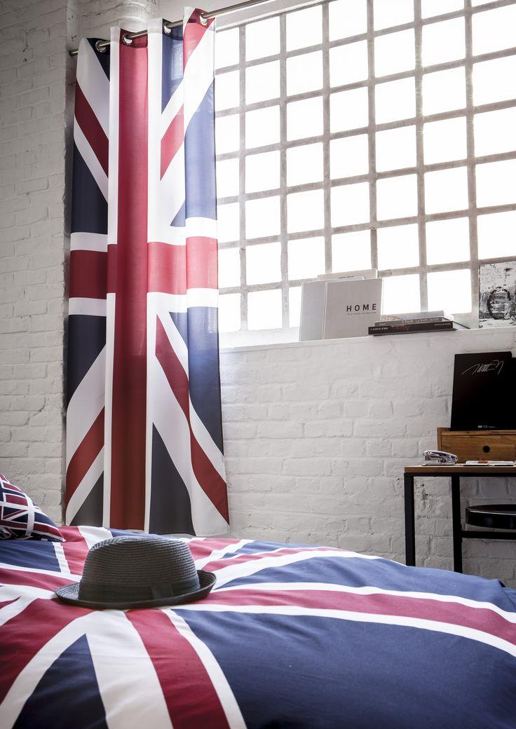 """Avec ces rideaux imprimés """"Union Jack"""", sublimez votre intérieur pour une déco contemporaine ! #london #england #union #jack #unionjack #drapeau #flag #home #deco #mood #ambience #art #industry #pop #bed #yankee #bedroom #art #photography #textile #linens #bedding #lit #chambre #amerique #americain #modern #moderne #trend #trendy #cosy #cocooning #tendance #ado #teens #teenagers #rideaux #voilages #rideau #voilage #curtain #drape #net #netcurtain"""