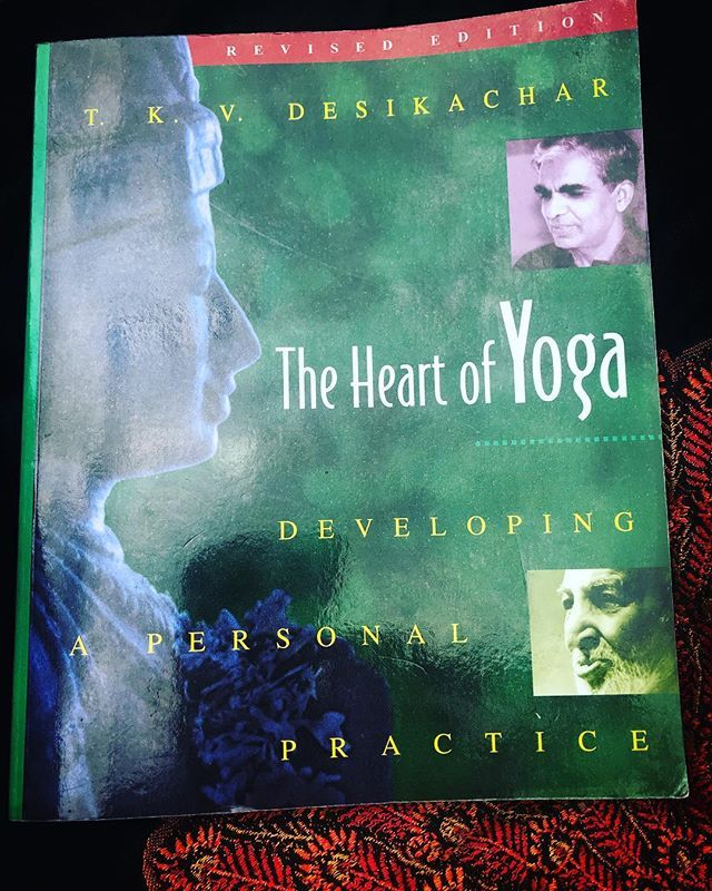 Back to the  of yoga philosophy the essence and the most accessible interpretation of Pantangalis Yoga Sutras I have read so far. Thank you #tkvdesikachar #krishnamacharya #theheartofyoga #yogateacher #yogatherapistintraining