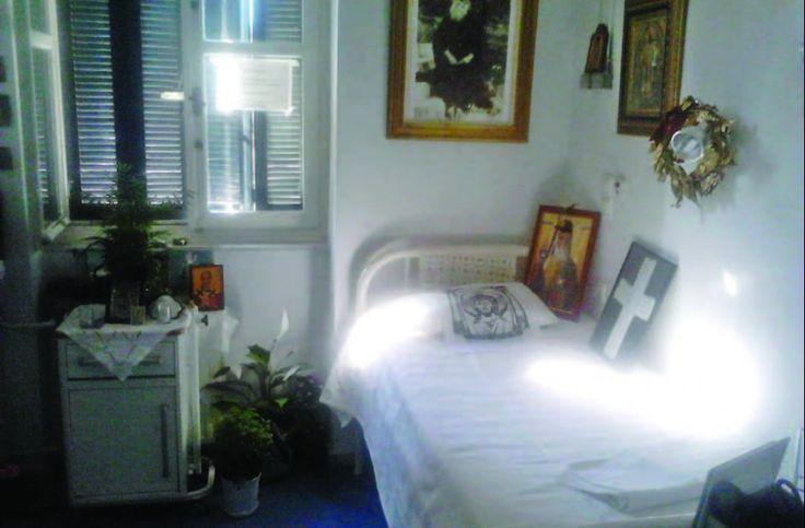 Πνευματικοί Λόγοι: Ιερός τόπος το δωμάτιο όπου εκοιμήθη ο Άγιος Νεκτά...